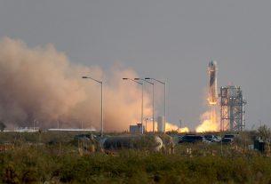 Misión exitosa para el primer vuelo tripulado de Jeff Bezos y Blue Origin